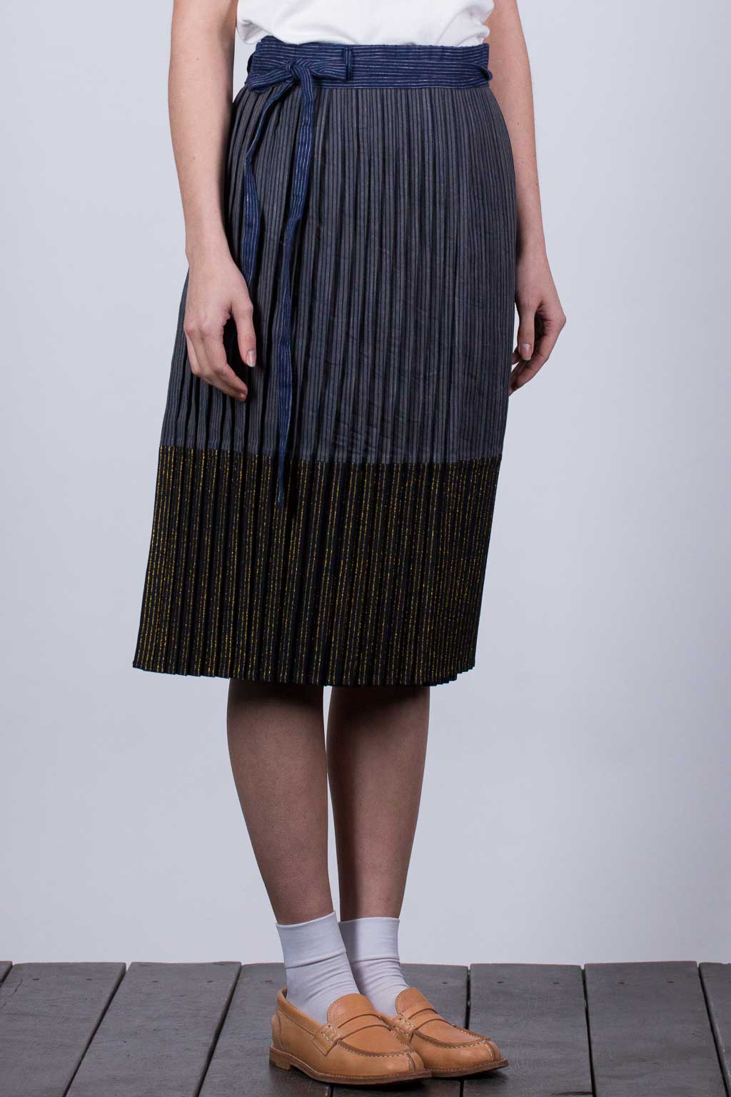 SUMI Hickoree x Foiled Stripe Denim Pleated Skirt